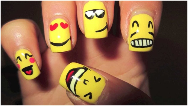 smiley-nail-art-design