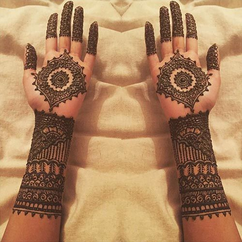 traditional-mehndi-design-with-a-fresh-touch