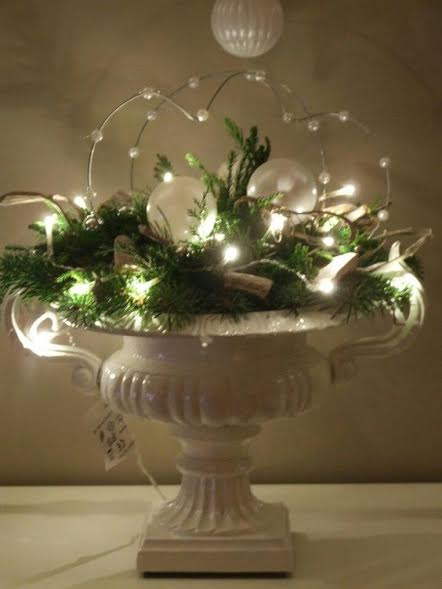 2017-new-year-decoration-with-rice-lights-and-pearl-balls