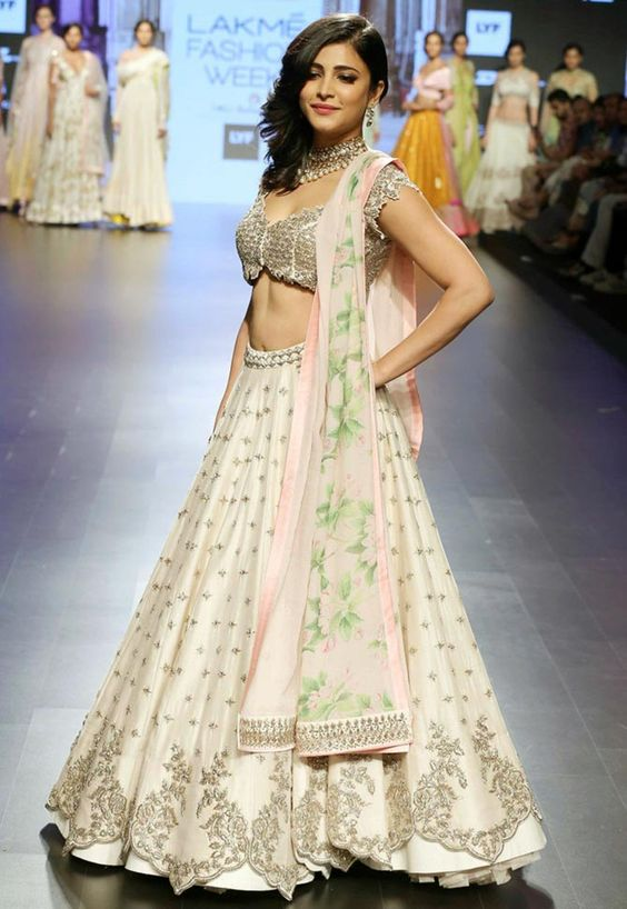 cut-work-lahenga-choli-with-heavy-blouse
