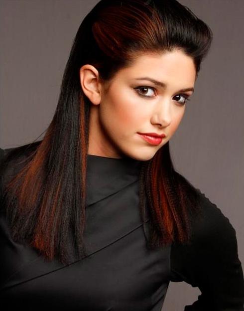 highlighted-straight-winter-hairstyle
