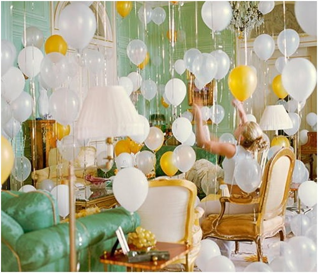 new-year-2017-decoration-with-ribbons-and-balloons