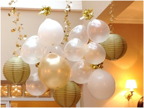 simple-new-year-decoration-with-balloons-and-paper-lamp-shades
