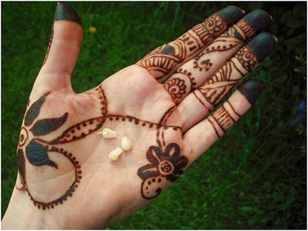 new-christmas-mehndi-designs