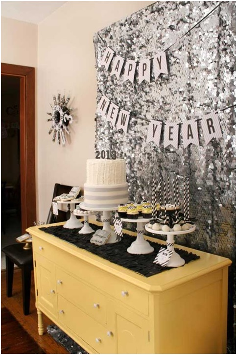 new-year-cake-table-decorations