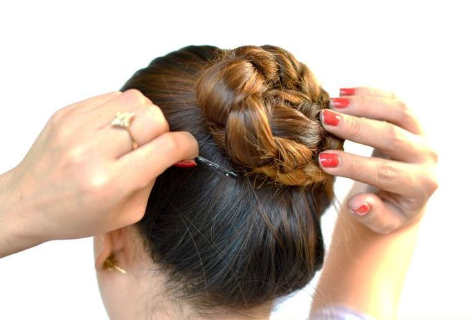 The cinnamon-roll braid