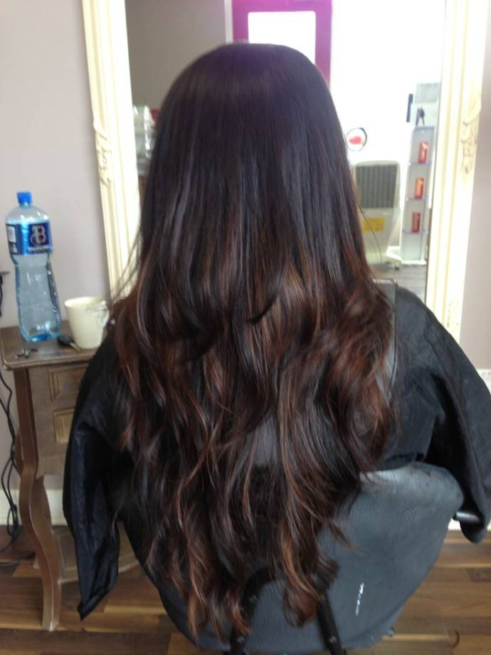 Caramel Balayage for very long black hairs