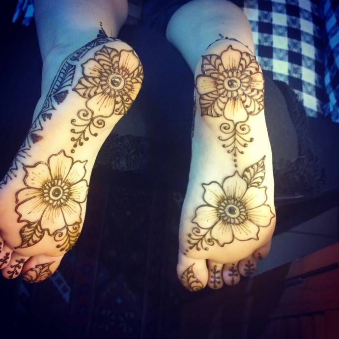 Best mehandi designs on the sole of foot recommendations