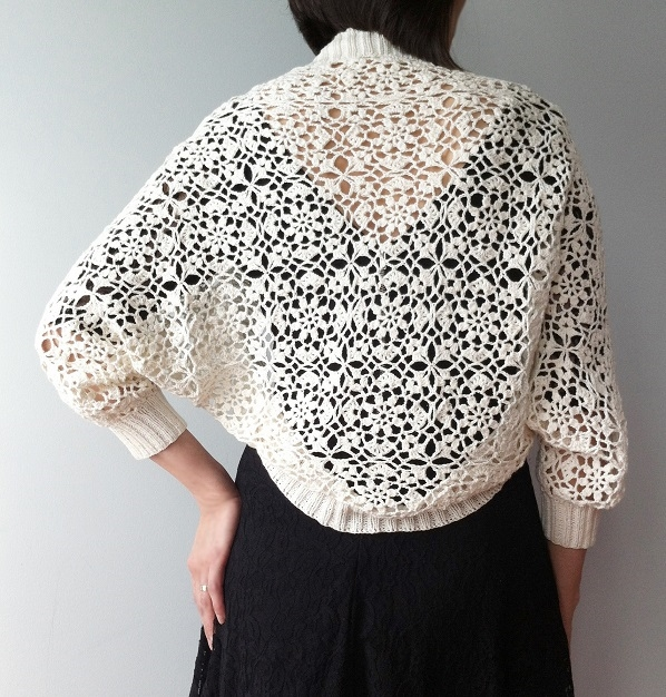 Shrug with round floral motif