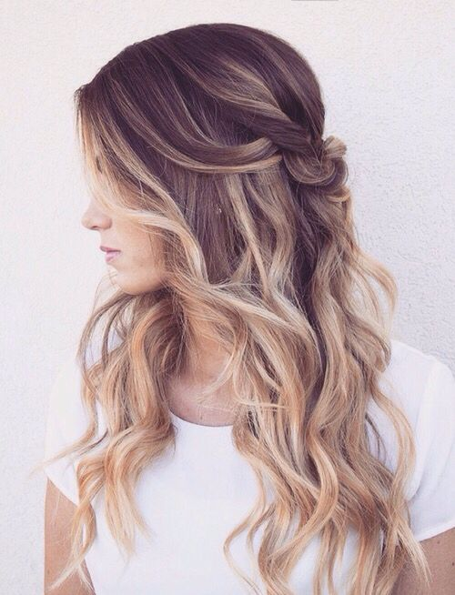 Back-pinned hair with curls