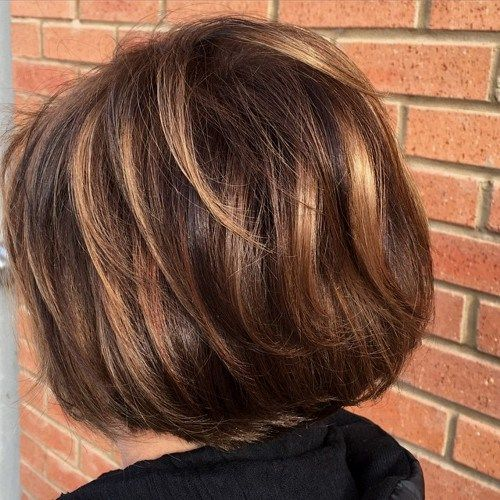 Caramel highlight on short hairs with layers