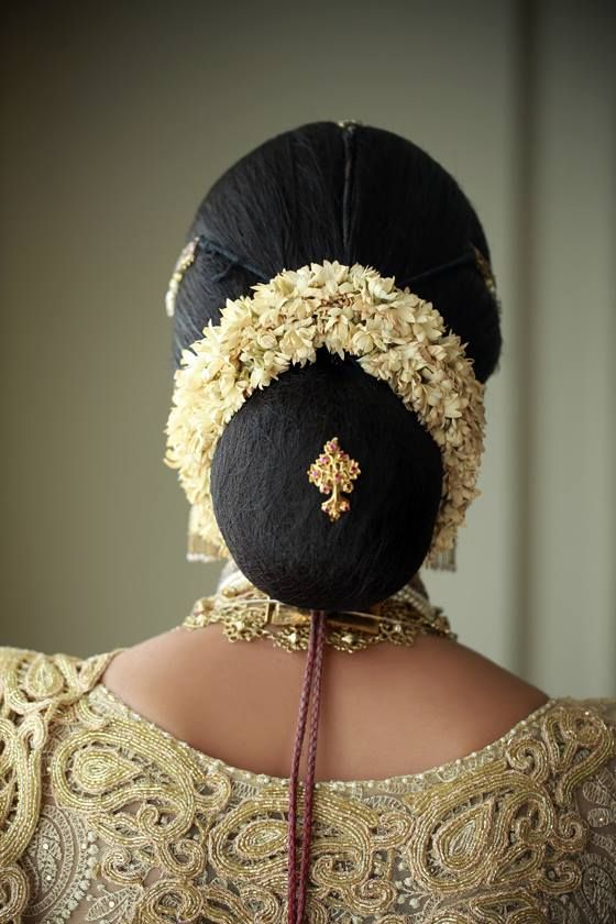 Simple Hairstyle For Saree In Sri Lanka - simple hair style