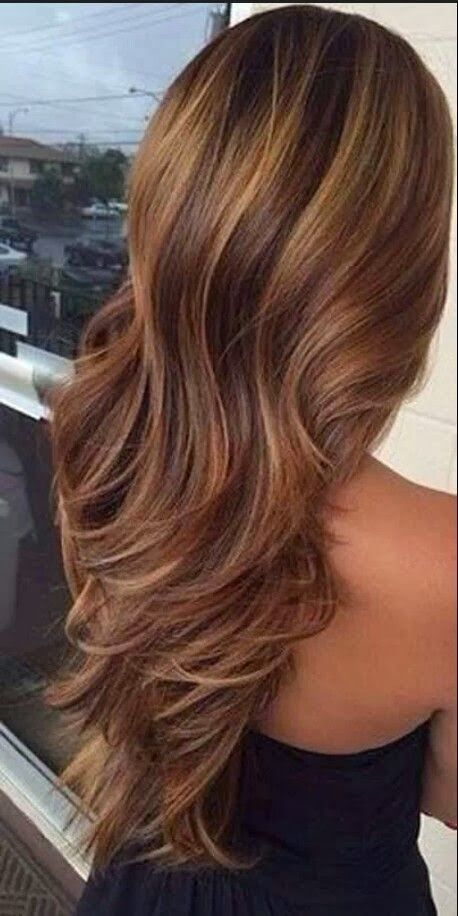 Easy Wavy Hairstyles With Golden Highlights