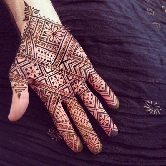 Patterns and Lines Mehndi Design