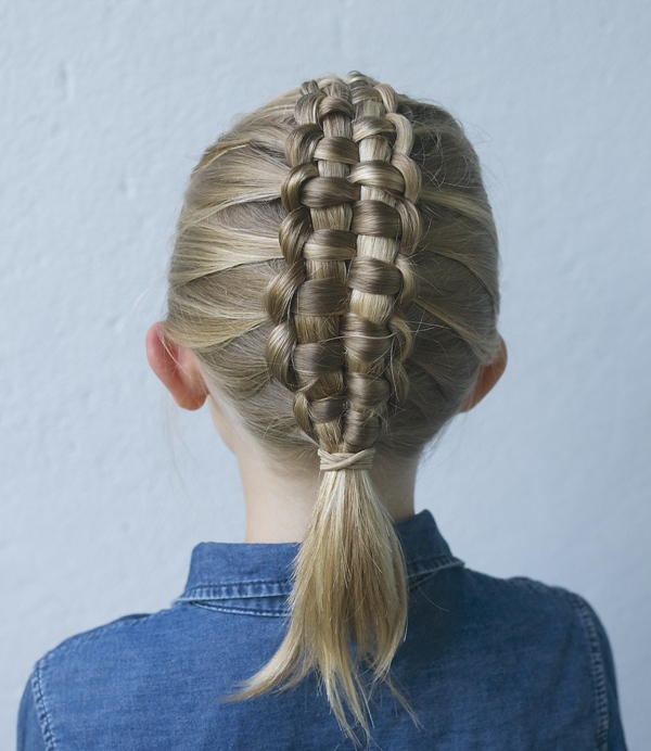 Zipper braid with a ponytail
