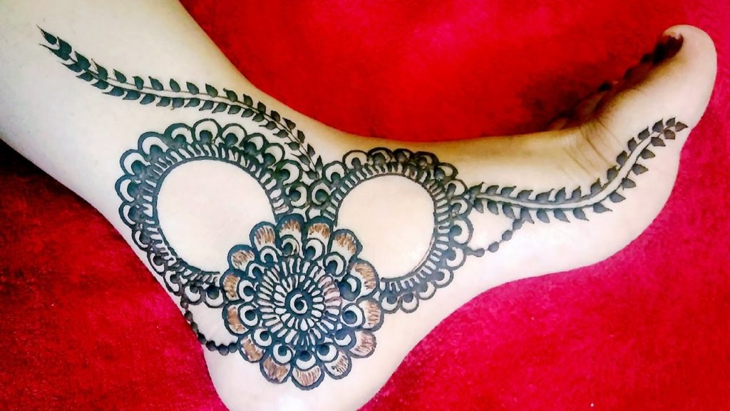 Artistic design compliments the beauty of feet