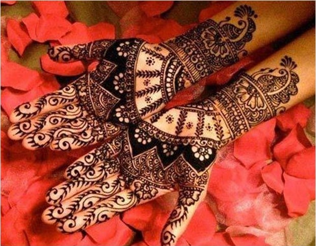 Occasional mehendi pattern for hands