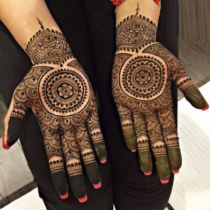 Something uncommon mehndi design