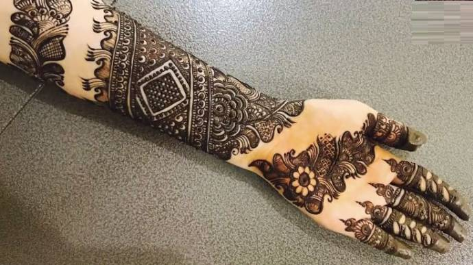 Arabic mehandi design