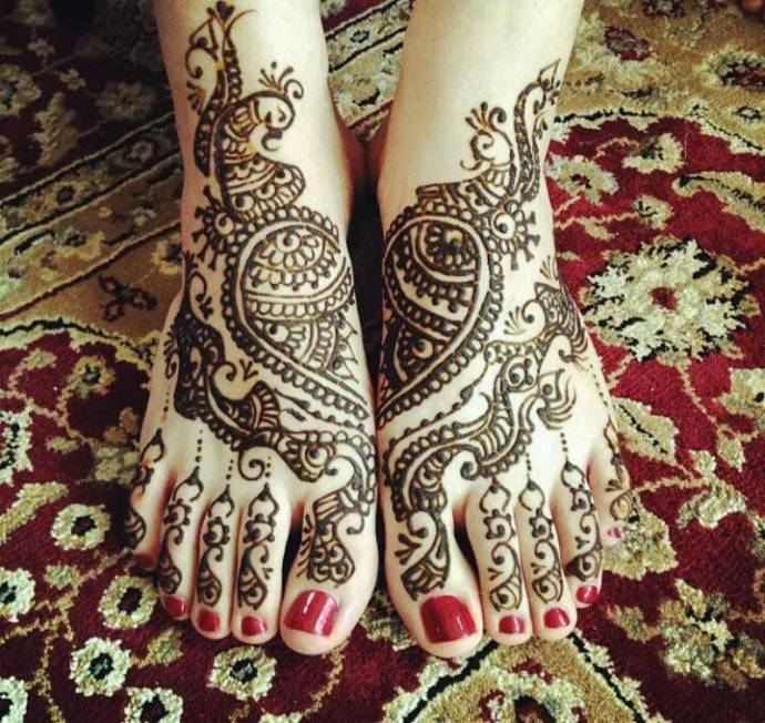 Simple wedding leg mehendi design
