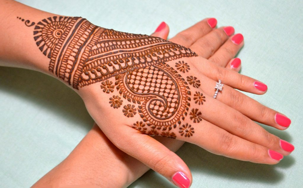 amazing-paisley-mehendi-design-ideas