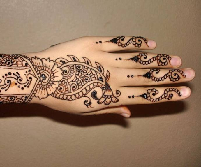 best-paisley-pattern-mehandi-designs
