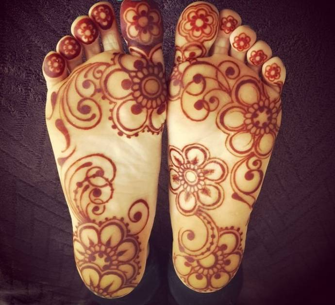 Arabic Henna details on foot