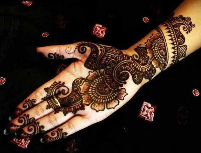 Best Mehendi Designs