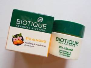 Biotique bio almond soothing & nourishing eye cream