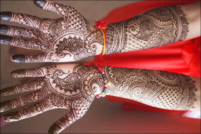 Exclusive mehendi design for wedding bride