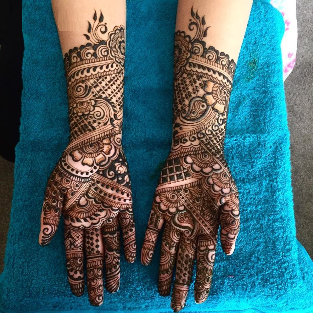 Floral mehandi bridal design for hands