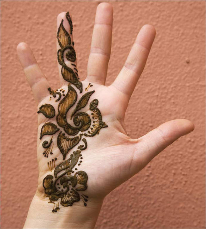 Simple bridal mehendi design