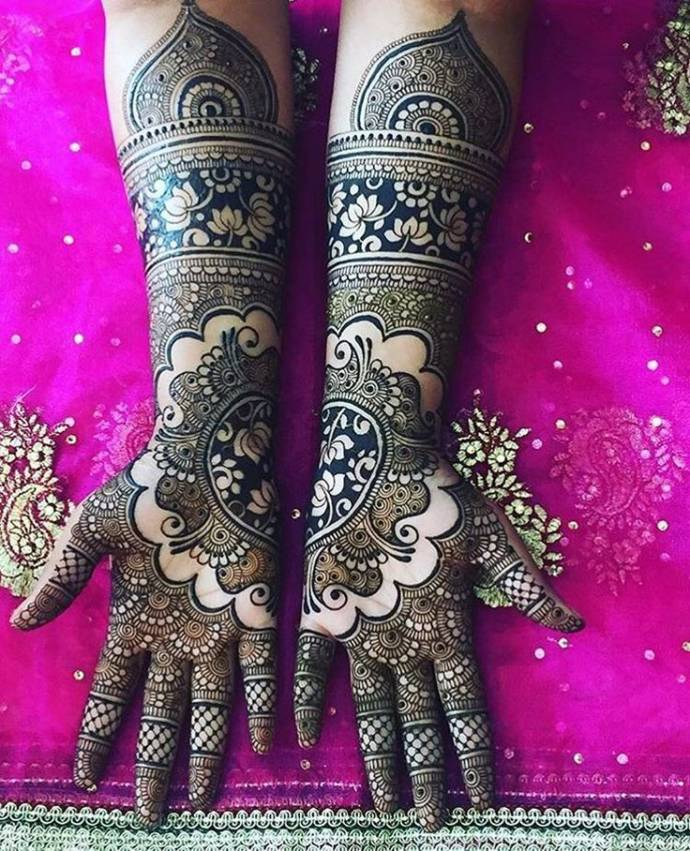 Arabic Fusion Lotus and Paisely Bridal Mehndi