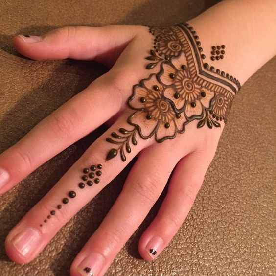 Barely There Mehndi Design
