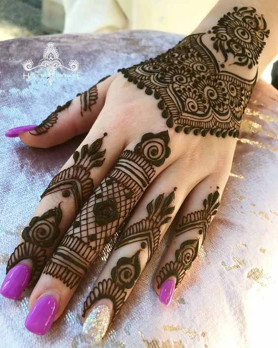 New Simple mehndi designs for left and right hands 2019