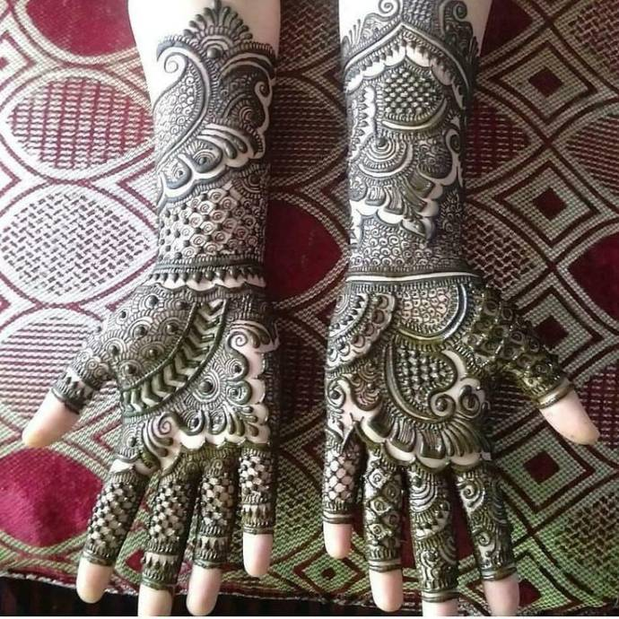Exquisite Bridal Henna Design