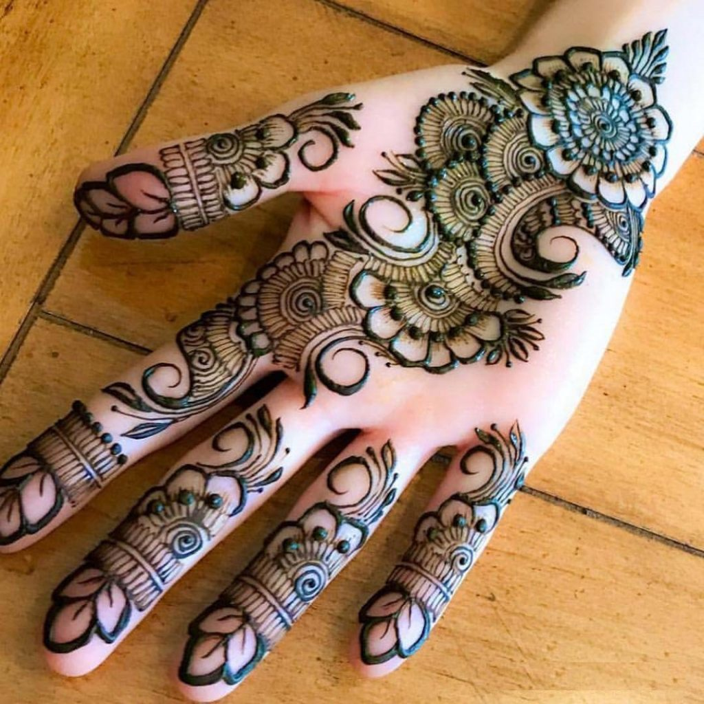 Front hand floral mehendi