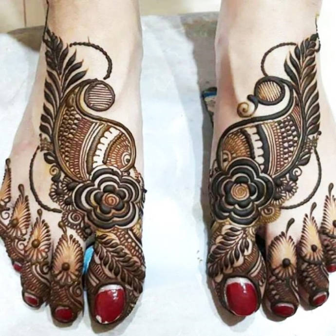 Heavy Arabian Tattoo Style Mehndi Design