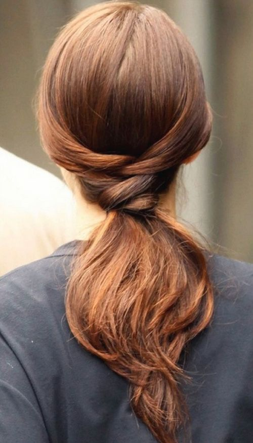 Simple hairdo with straight ends