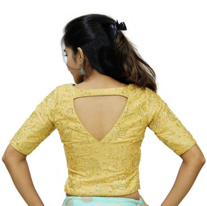 Small Diamond cut back with long blouse