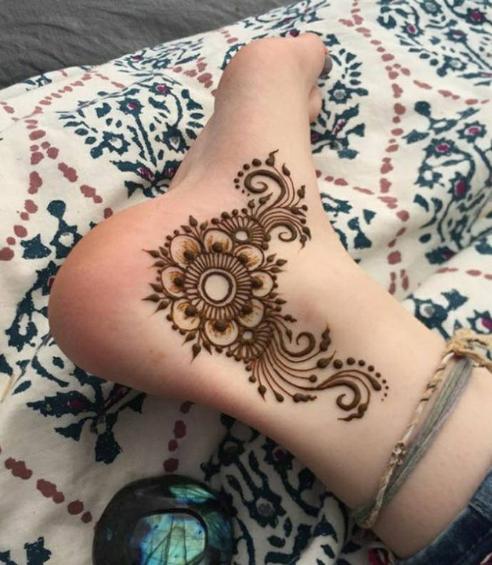 Stylish Ankle Tattoo of Mehndi