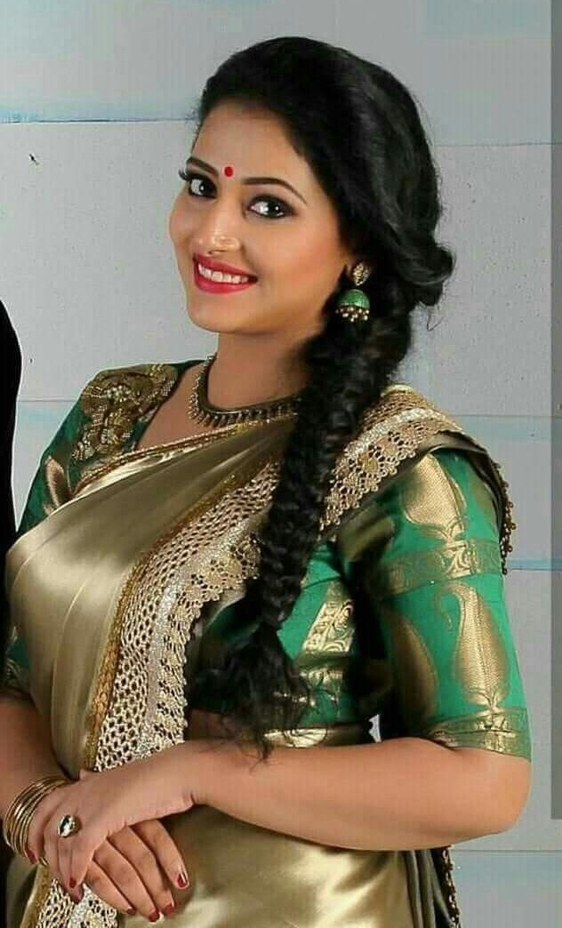 Latest Hairstyles That Suits All Types Of Sarees Amp Lehengas