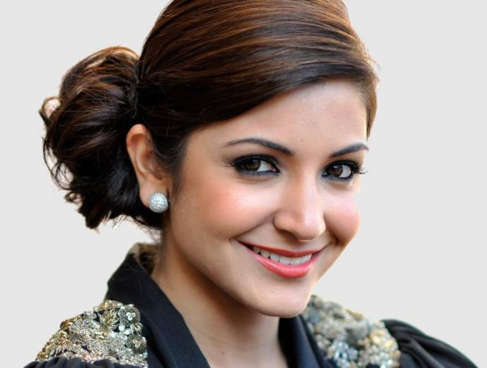 Latest Anushka Sharma Hairstyles Haircuts 2019 Beauty Health Tips