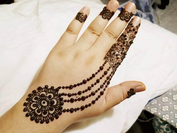 small back hand mehndi design